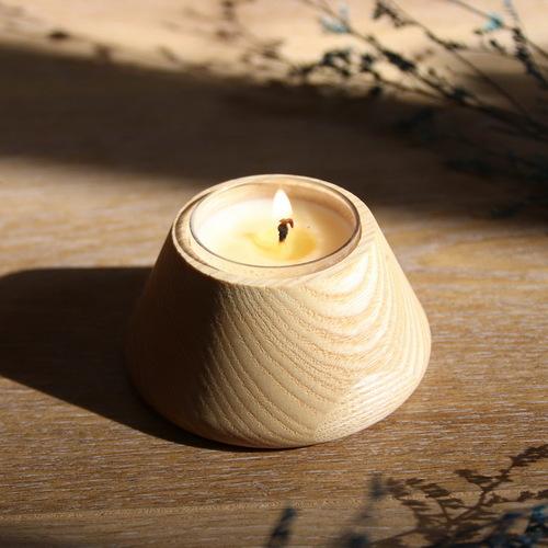 木入三分│木合香氛蠟燭檯 (含天然精油驅蚊蠟燭)