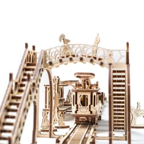 Ugears|自我推進模型 Tram Line 機械小鎮-叮叮車車站