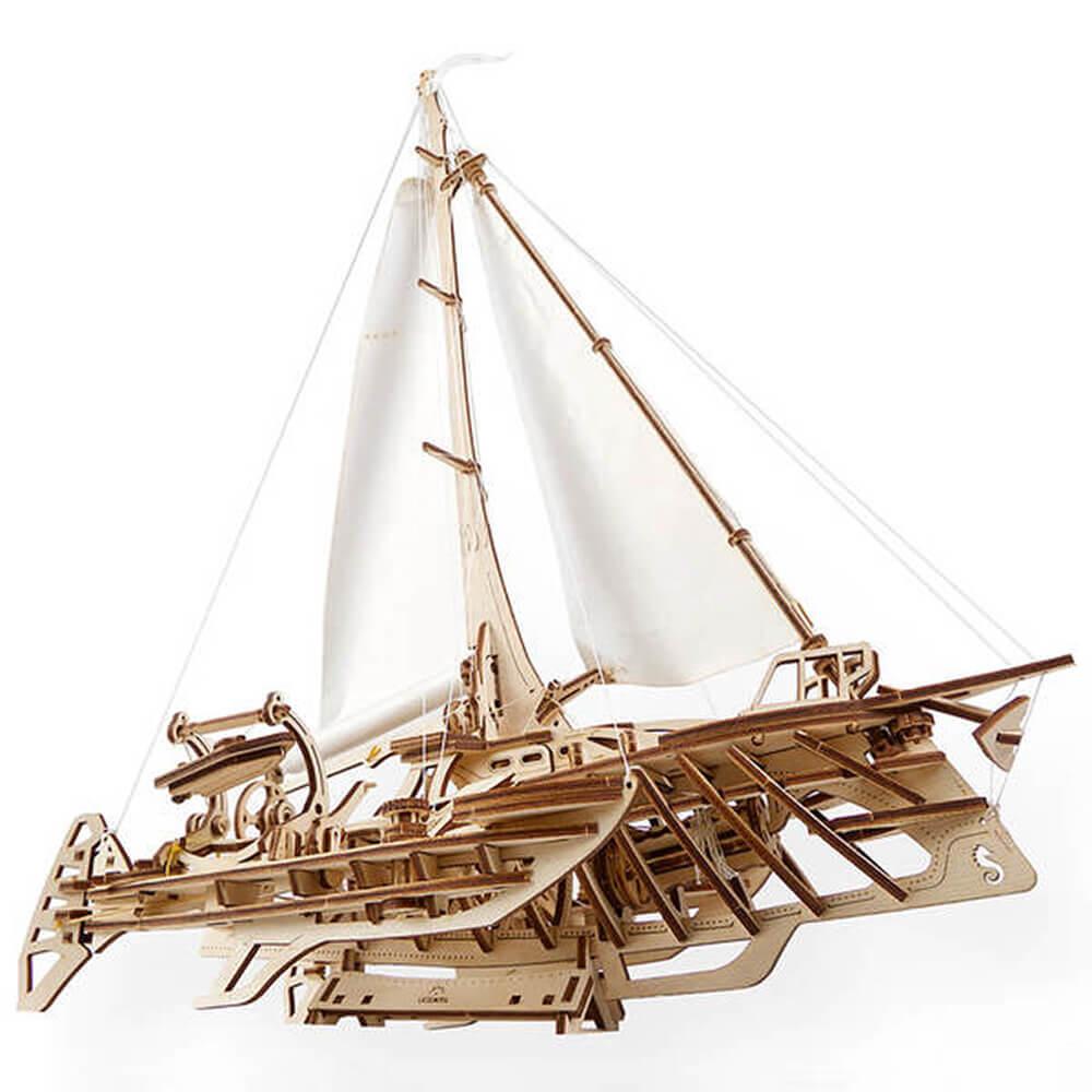 Ugears 自我推進模型 飛翔的霍爾斯號