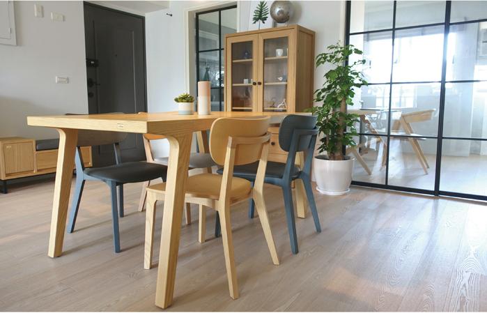 viithe| HOUR L 時聚餐椅皮革版 (胡桃色黑坐墊)