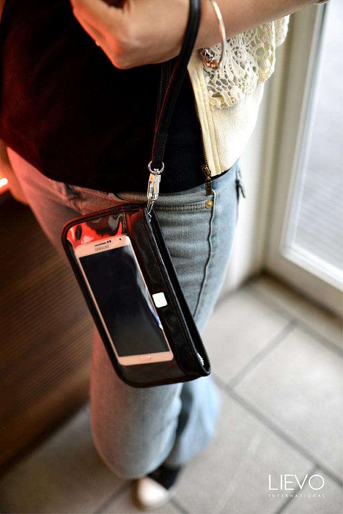 LIEVO|Smartphone真皮手拿包-TOUCH(森林綠)