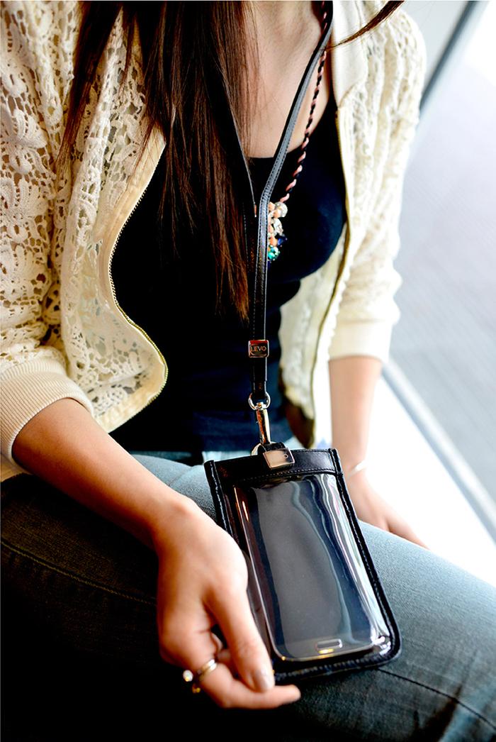 LIEVO|頸掛式真皮手機套5.7 吋適用-TOUCH(黃)
