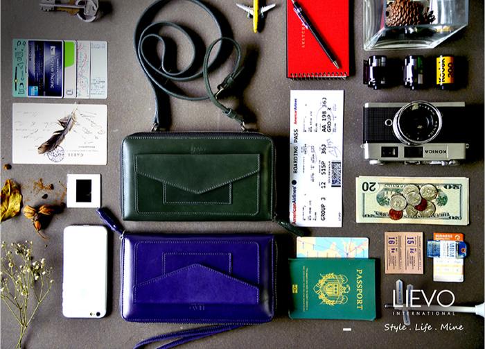 LIEVO|旅行手機皮夾-STORY(率性黑)