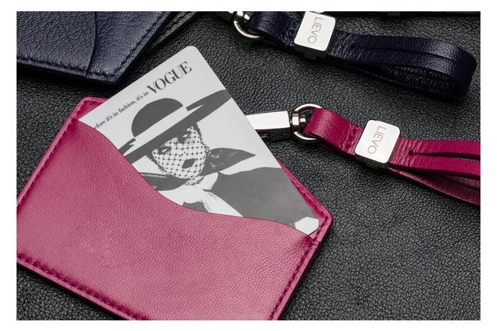 LIEVO │ 橫式感應證件套(石墨黑)