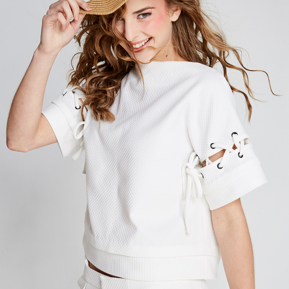 design+|白色圓領接袖上衣(FIT1701TP01WH)
