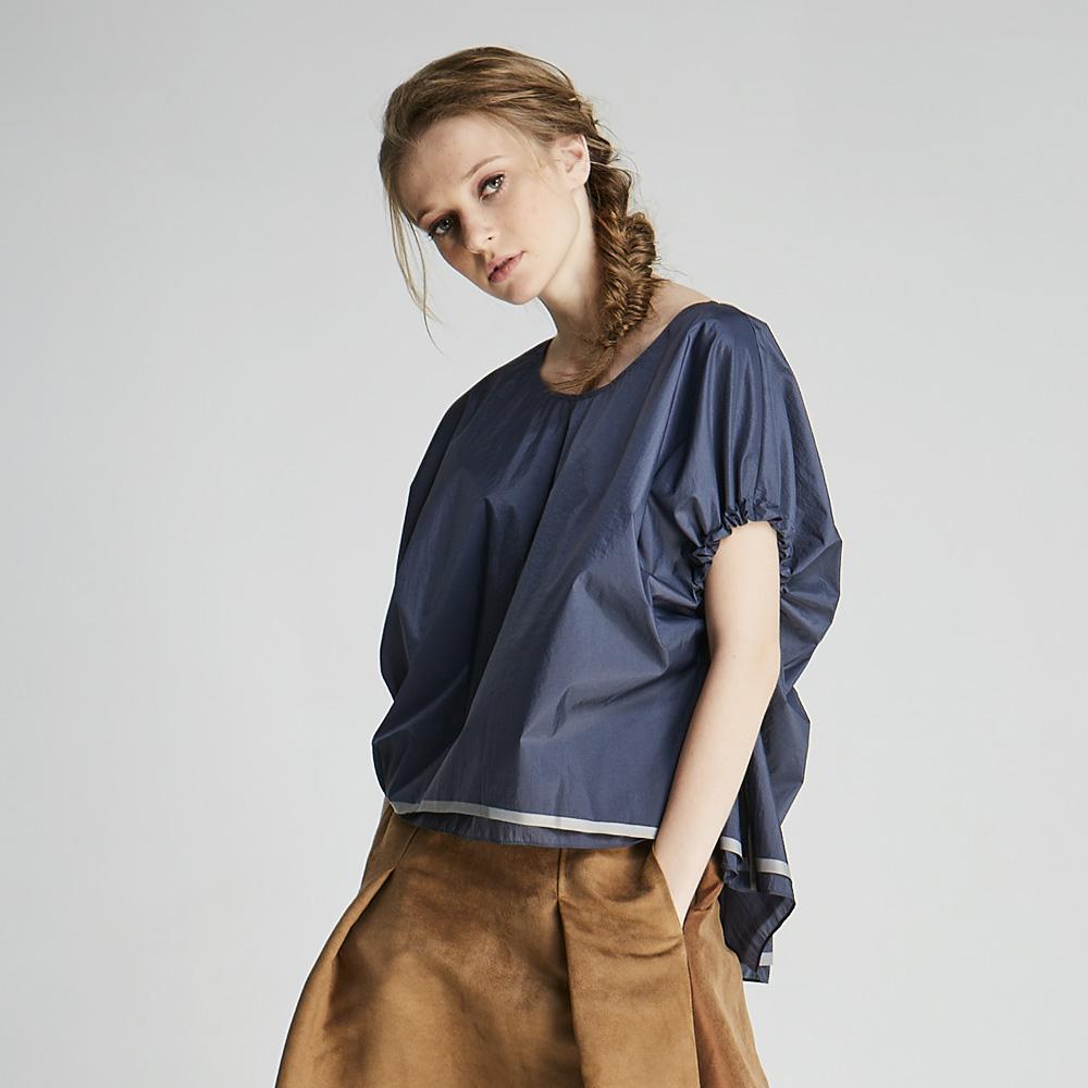 design+|縮口蝙蝠袖短袖上衣(1702TP02BL)
