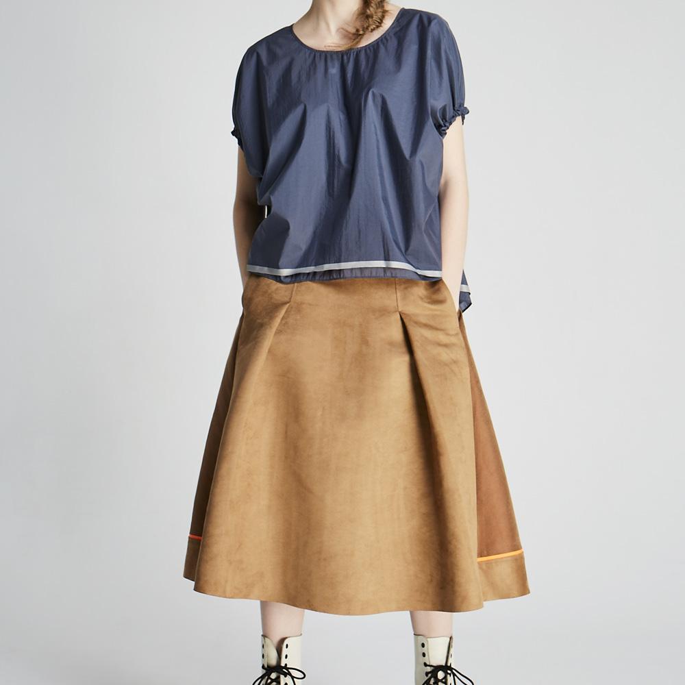 design+|麂皮拼接圓裙(1702SK01BR)