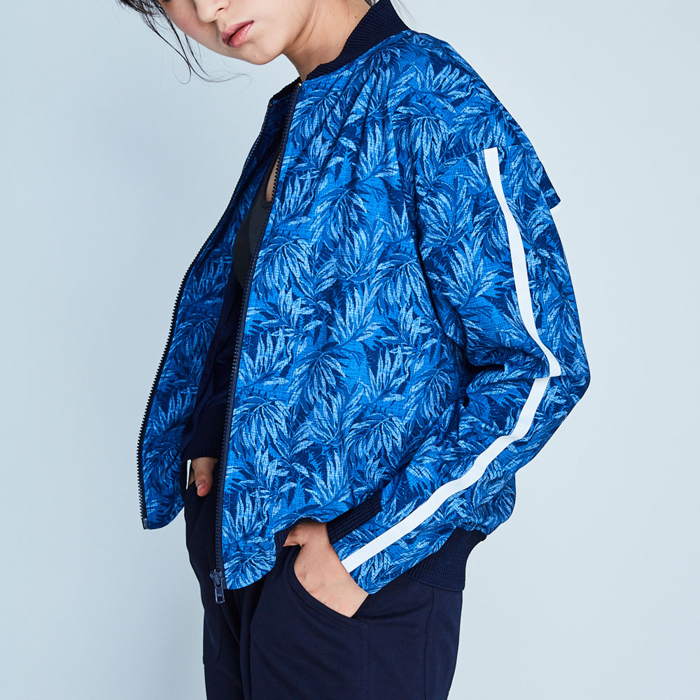 design+|水藍印花拼接外套/(181JK1BL01)