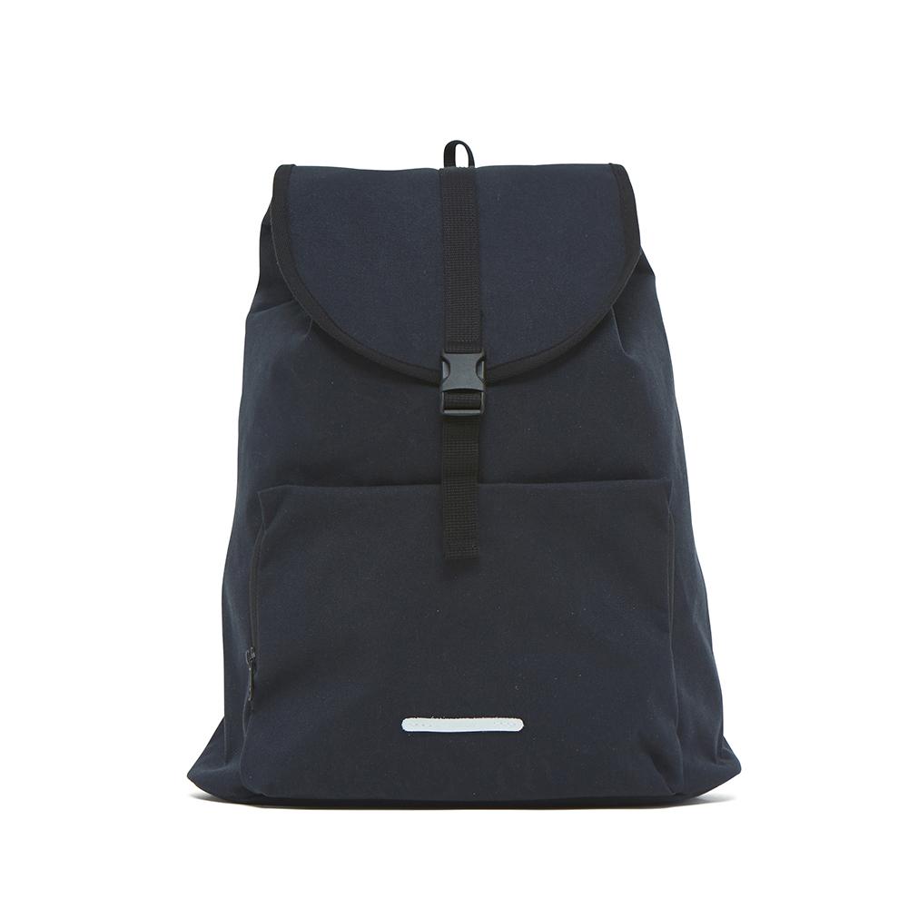 RAWROW|漫遊系列-15吋簡約束口後背包-墨黑-RBP231BK