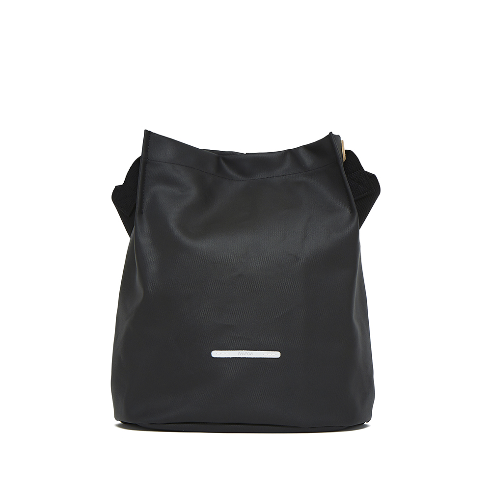 RAWROW|城市系列-雙背帶帆布水桶包(中)-墨黑-RCR700BK