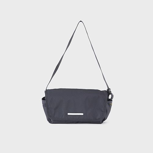 RAWROW|廣場系列-肩/側背郵差包(中,32x17cm)-深藍灰-RMS610CH