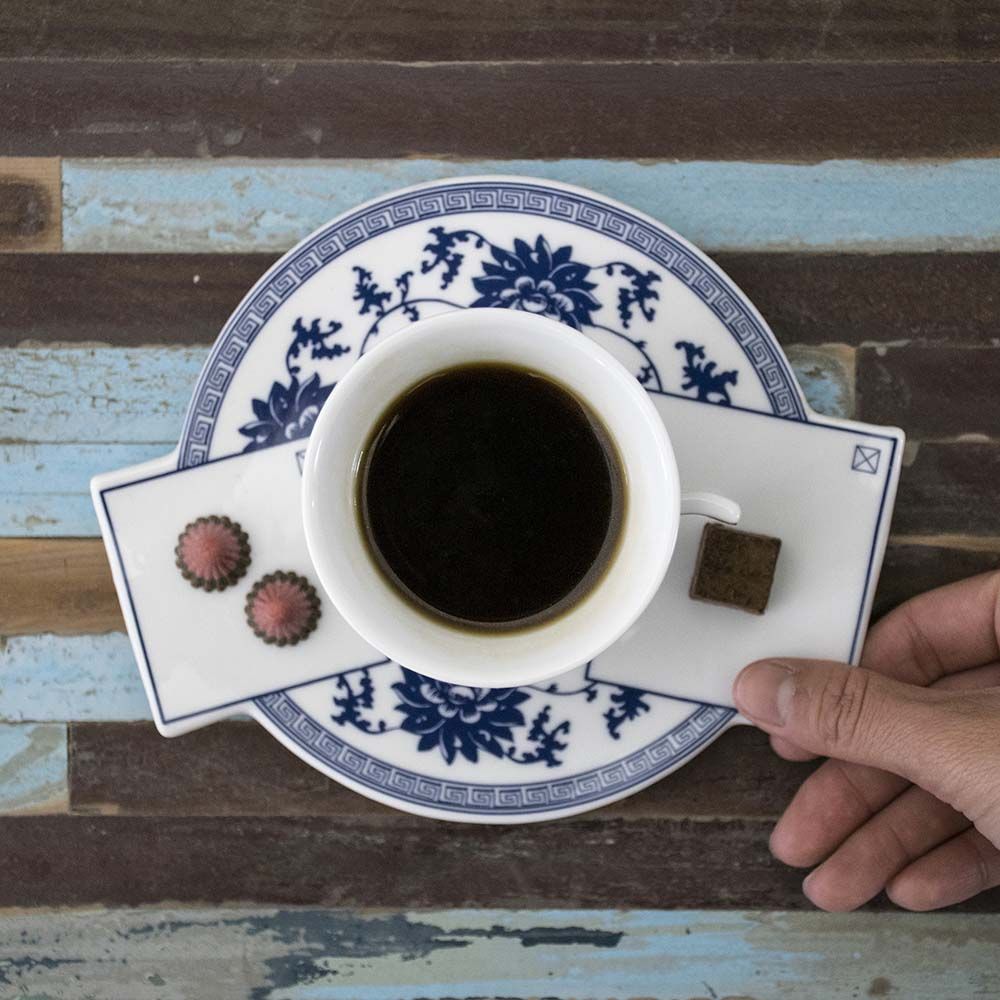Localware|文化置入-杯盤(紅與藍色)