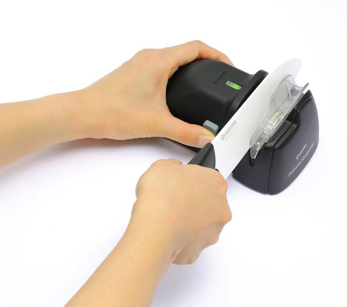 (複製)KYOCERA日本京瓷|抗菌多功能精密陶瓷刀-黑刀(18cm)
