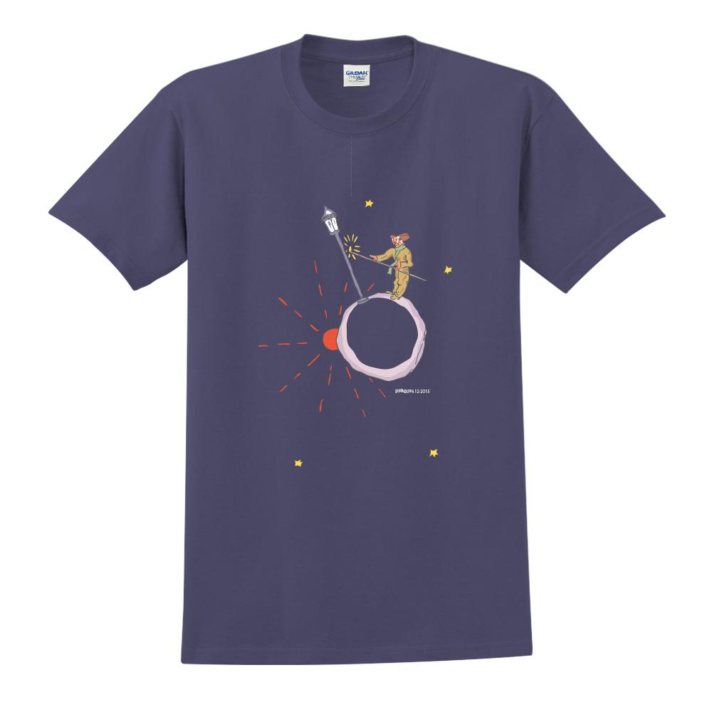 YOSHI850 小王子經典版授權【辛苦的燈夫】短袖中性T-shirt (藏青)