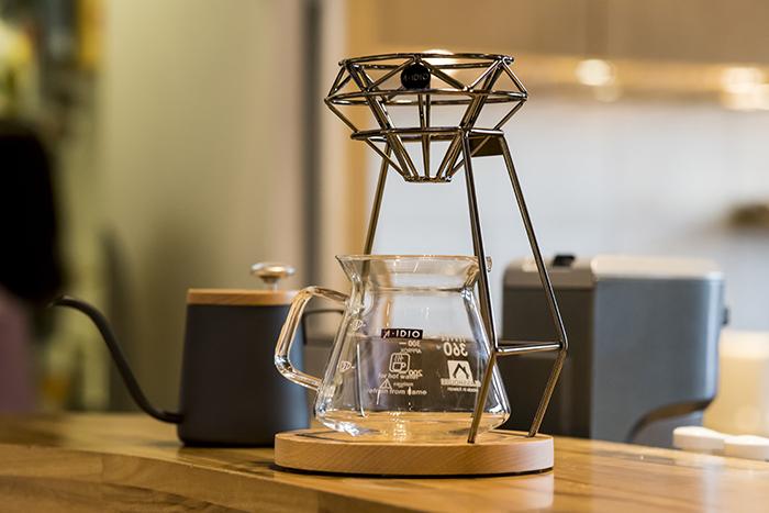 A-IDIO|鑽石手沖咖啡架組(曜石黑)獨家限量贈600ml耐熱玻璃壺