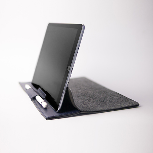alto|iPad 9.7 輕便站立保護套 Stand Sleeve - Ocean (藍/灰)