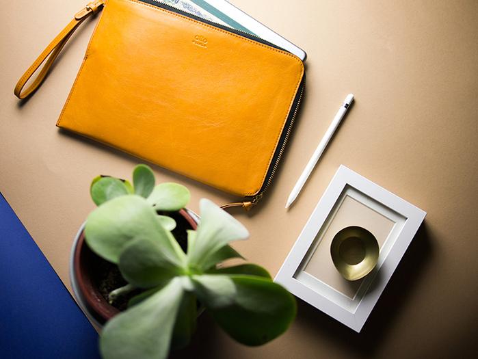 (複製)alto|iPad 9.7 輕便站立保護套 Stand Sleeve - Ocean (藍/灰)