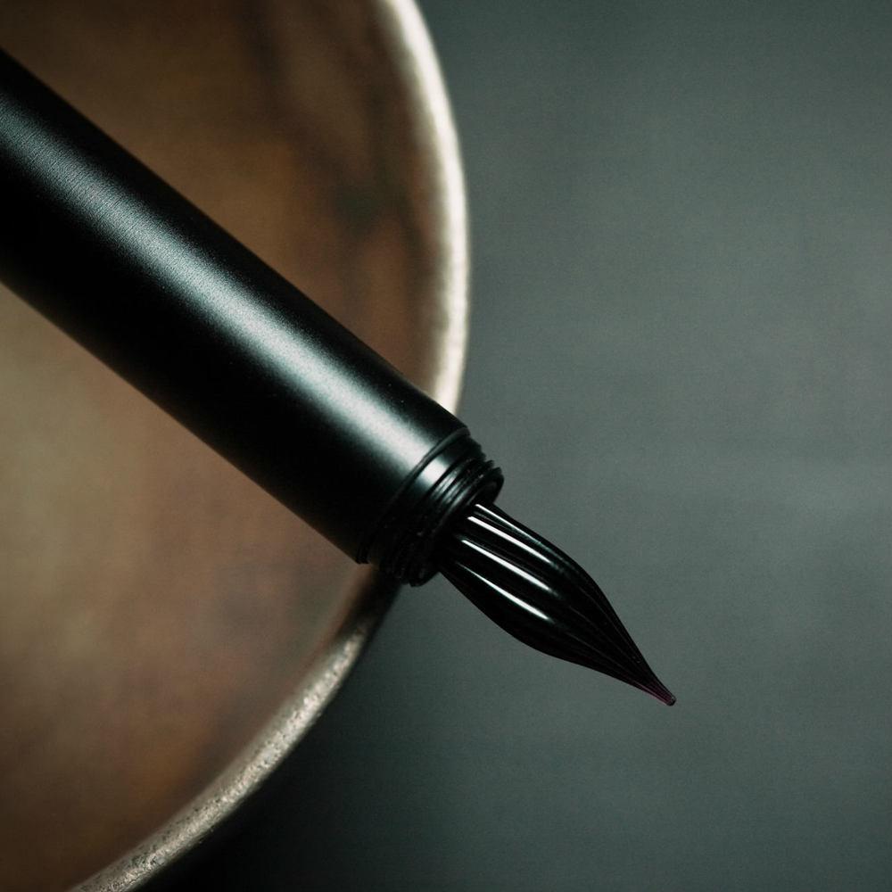 【限量】森作所 森系列 零式 S9801 玻璃尖鋼筆-烏鴉