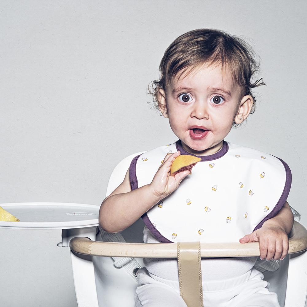 鯊魚咬一口 BabyBites|100% 親膚純棉、防潑水完整包覆寶寶口水巾|圍兜-杯子蛋糕