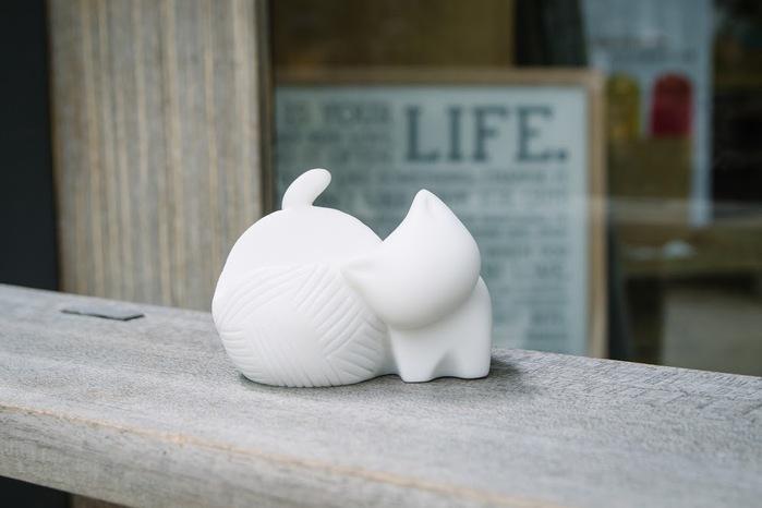 CHU,AN Design| 小貓的溫柔等待-貓咪造型名片座/收納盒