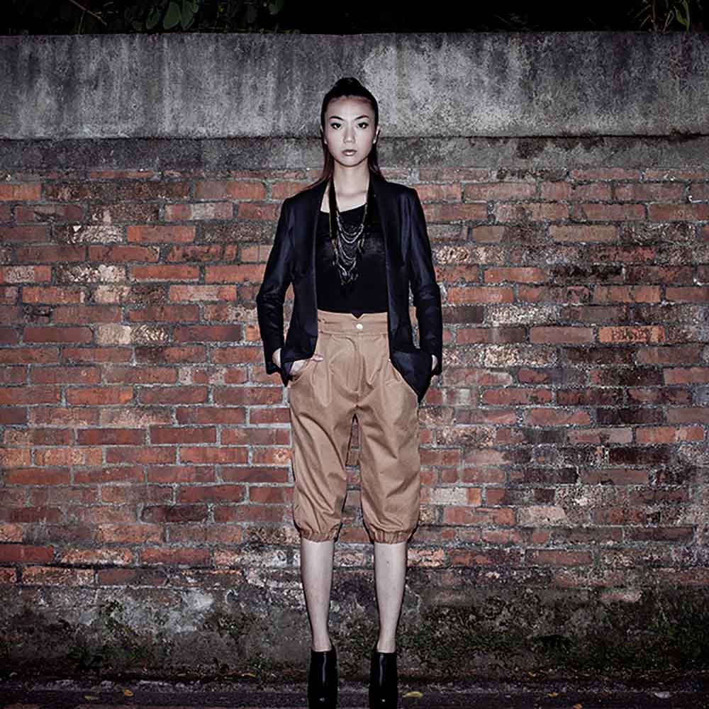 VISIBLE By Ann Cheng|打褶造型縮口褲(棕色)