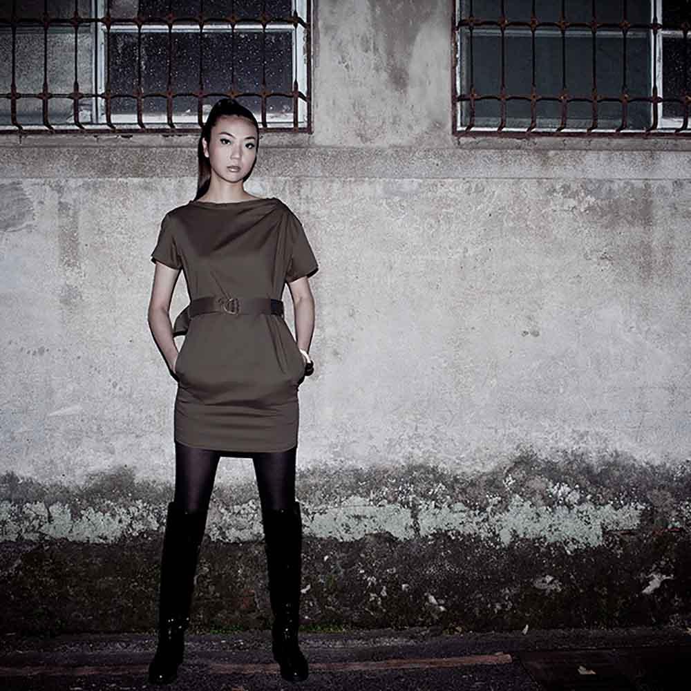 VISIBLE By Ann Cheng|平領束腰軍式洋裝(軍綠色)