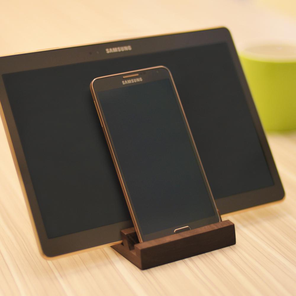dStand|多功能 雙槽實木手機/平板座【胡桃木】