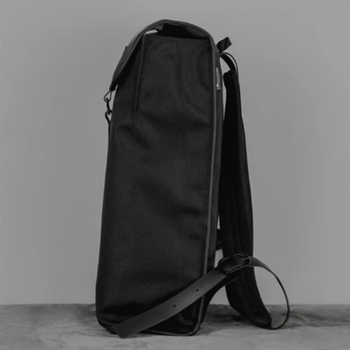 Topologie Satchel防潑水系列長方形背包-黑
