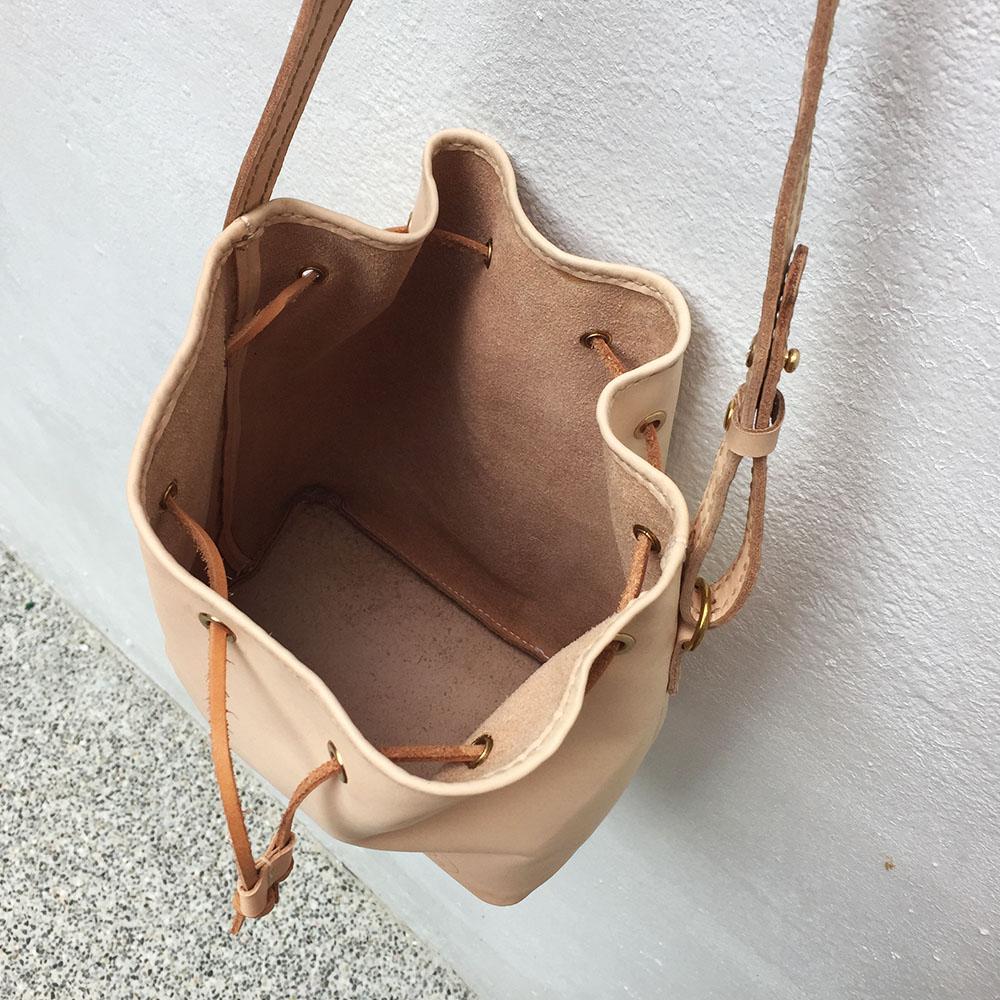 DUAL|皮革水桶包(原色植鞣)