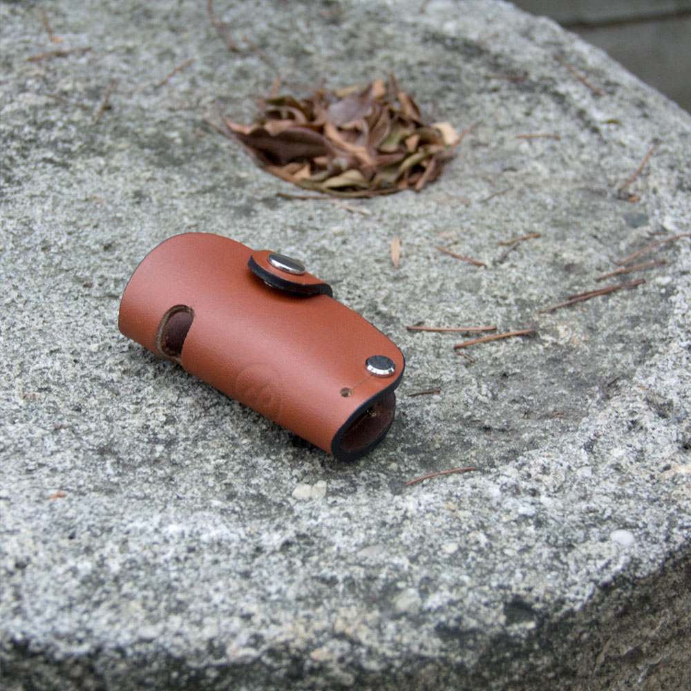 DUAL 真皮創意汽車鑰匙包/手機架 - 圓弧淺棕