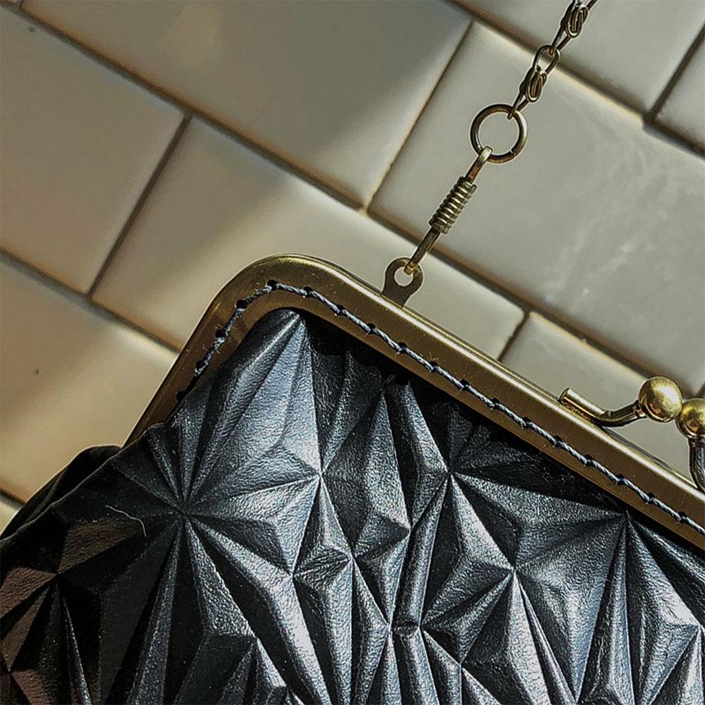 DUAL|皮革復古口金包 (鑽石紋)