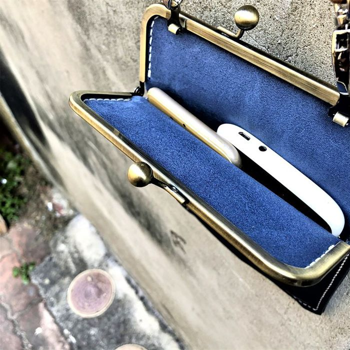 DUAL多兒 / 淑女斜背口金手機袋 - 優雅藍 / 禮物 情人節  iphone12