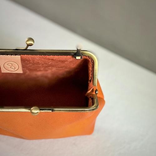 DUAL|皮革復古口金包 (壓紋黃)