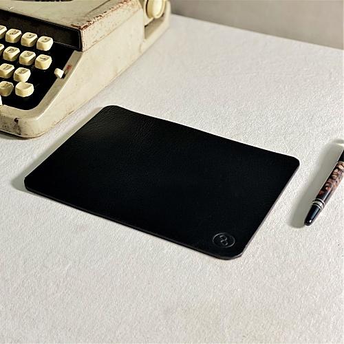 DUAL|醇厚質感牛皮寫字墊(滑鼠墊) - B5 (三色可選)