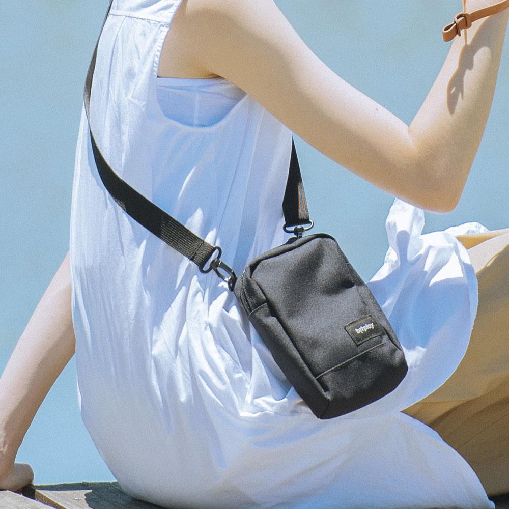 bitplay  輕旅包 手機袋 (黑標)
