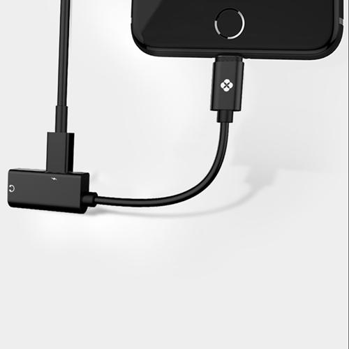 TOTU | Lightning - AU08 Lightning 充電&聽歌&通話音頻轉接器