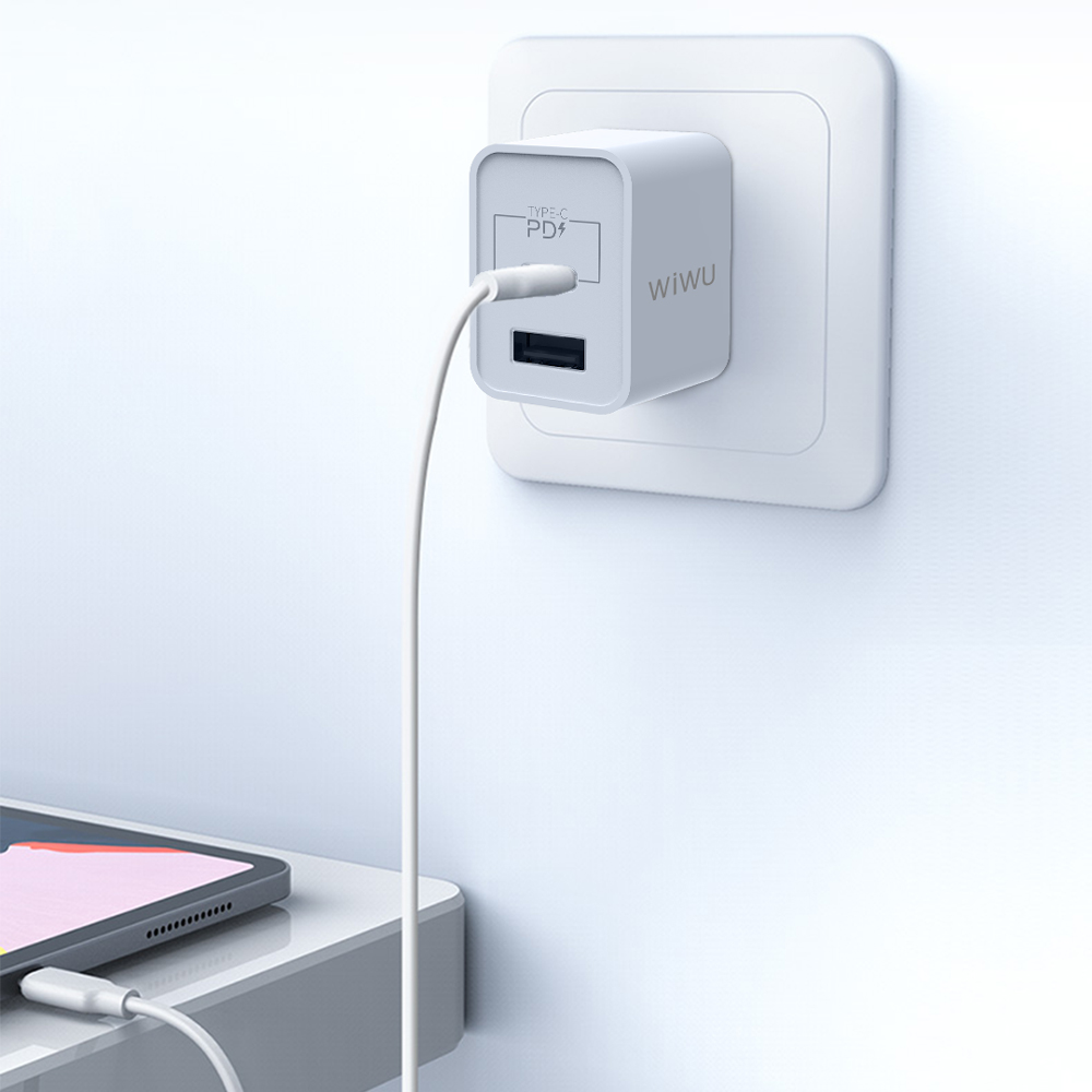 WiWU | PD與QC3.0-18W快充充電器-UM13 CCC