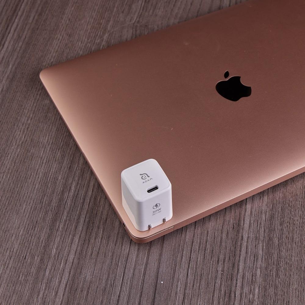 ADAM|OMNIA X3 USB-C PD / QC 3.0 30W 迷你快速充電器