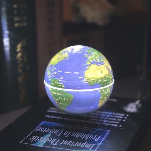 賽先生科學工廠|書本造型飄浮地球儀(可作夜燈與展示台)