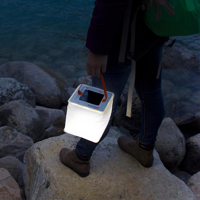 LuminAID|PackLite Max 2-in-1  手機充電式水陸兩用太陽能露營燈