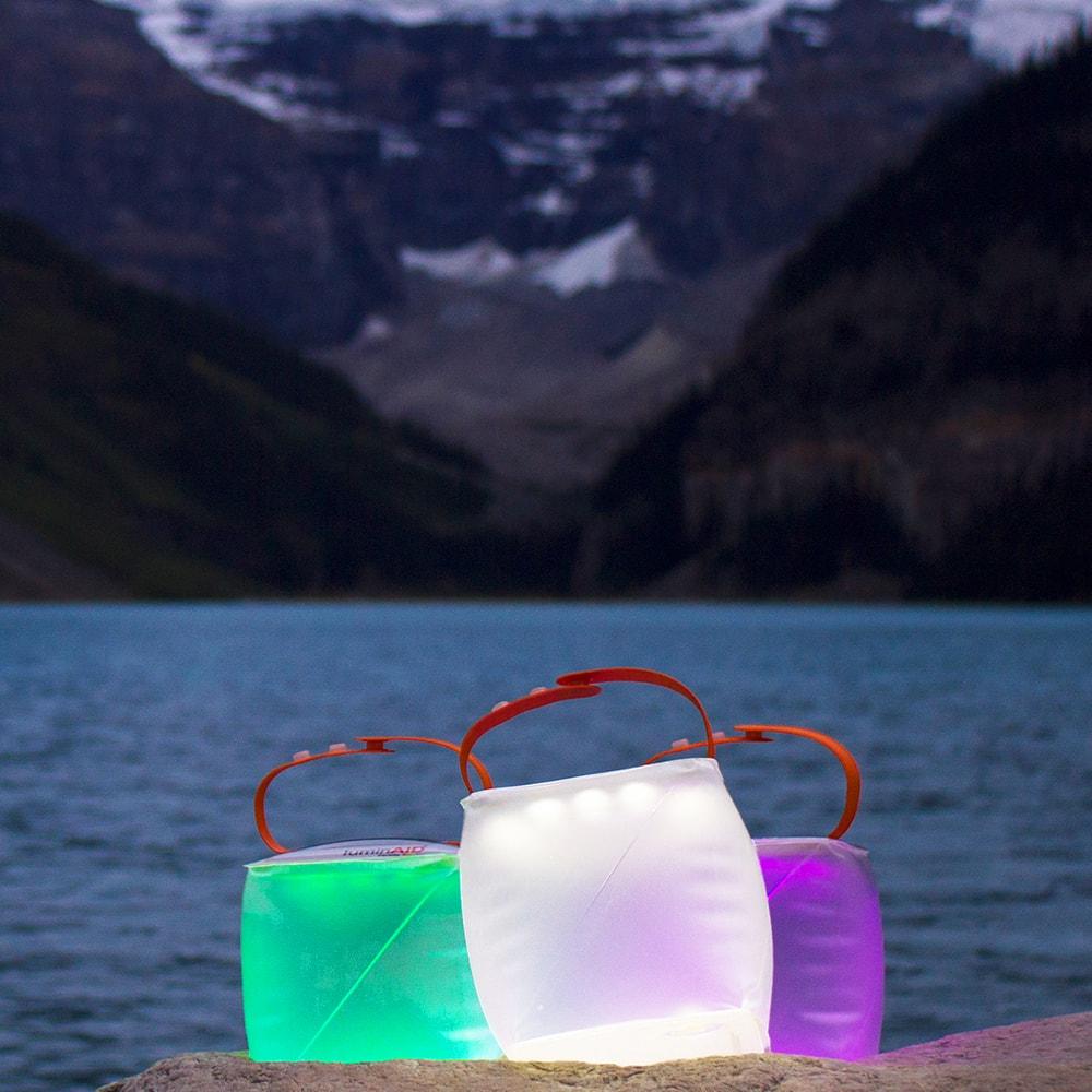 LuminAID|PackLite Spectra USB可充式水陸兩用彩虹太陽能LED露營燈
