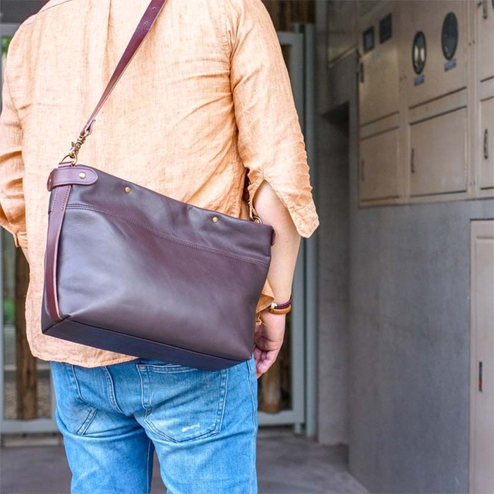 SUOLO|經典大人味 軟牛皮革職人款側背包