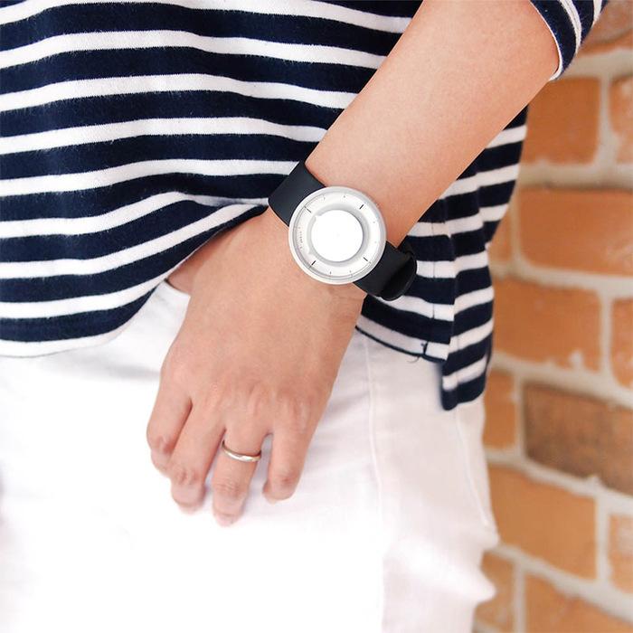 HYGGE|日本大膽玩色,運動PU腕錶(不銹鋼銀、黑PU防水錶帶)