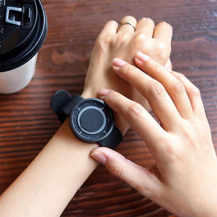 HYGGE|日本大膽玩色,運動PU腕錶(不銹鋼黑、黑PU防水錶帶)