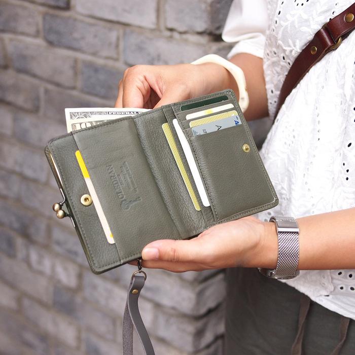 CLEDRAN|日系優雅 時尚珠扣植鞣牛皮短夾/手拿包