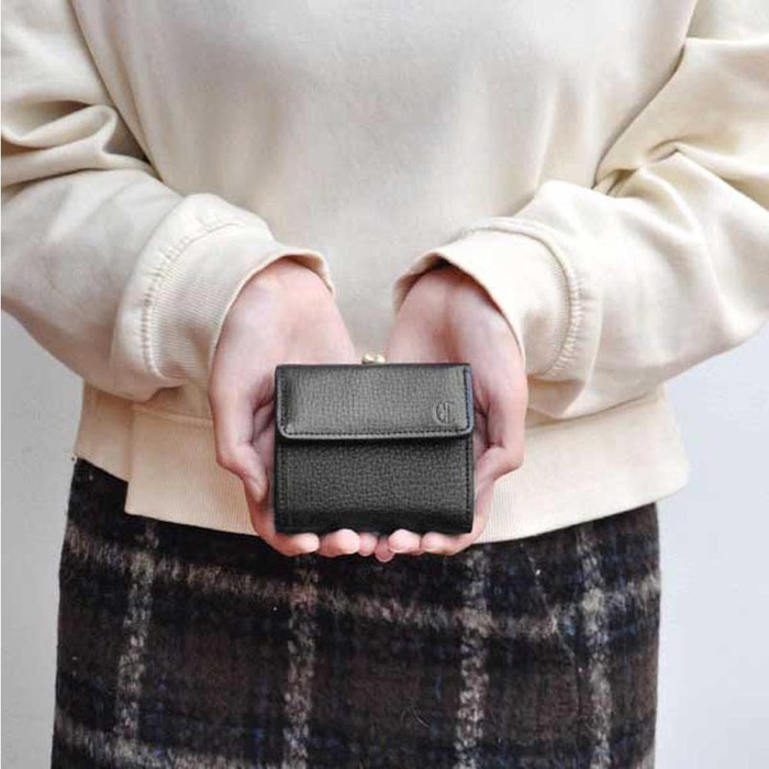 CLEDRAN|日系手作小巧甜美珠扣牛皮短夾