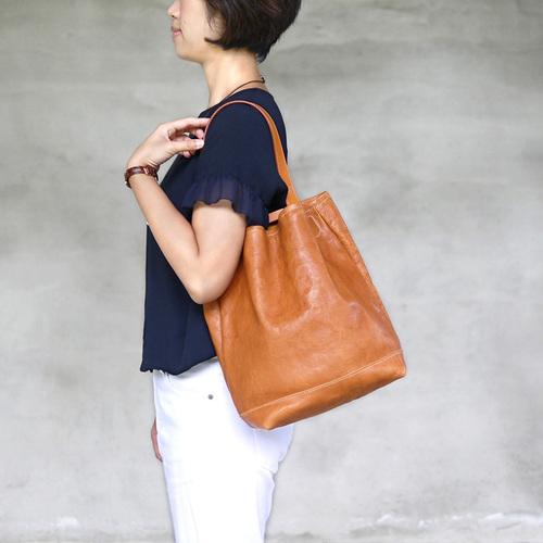 TEHA'AMANA|手工皮革簡約柔軟單肩背包