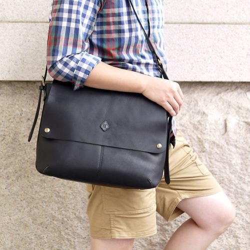 CLEDRAN|經典中性皮革側背包