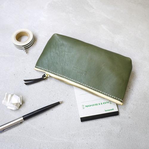 HANDIIN|質感生活 日系簡約手縫皮革拉鍊筆袋/化妝包/小物包 綠色