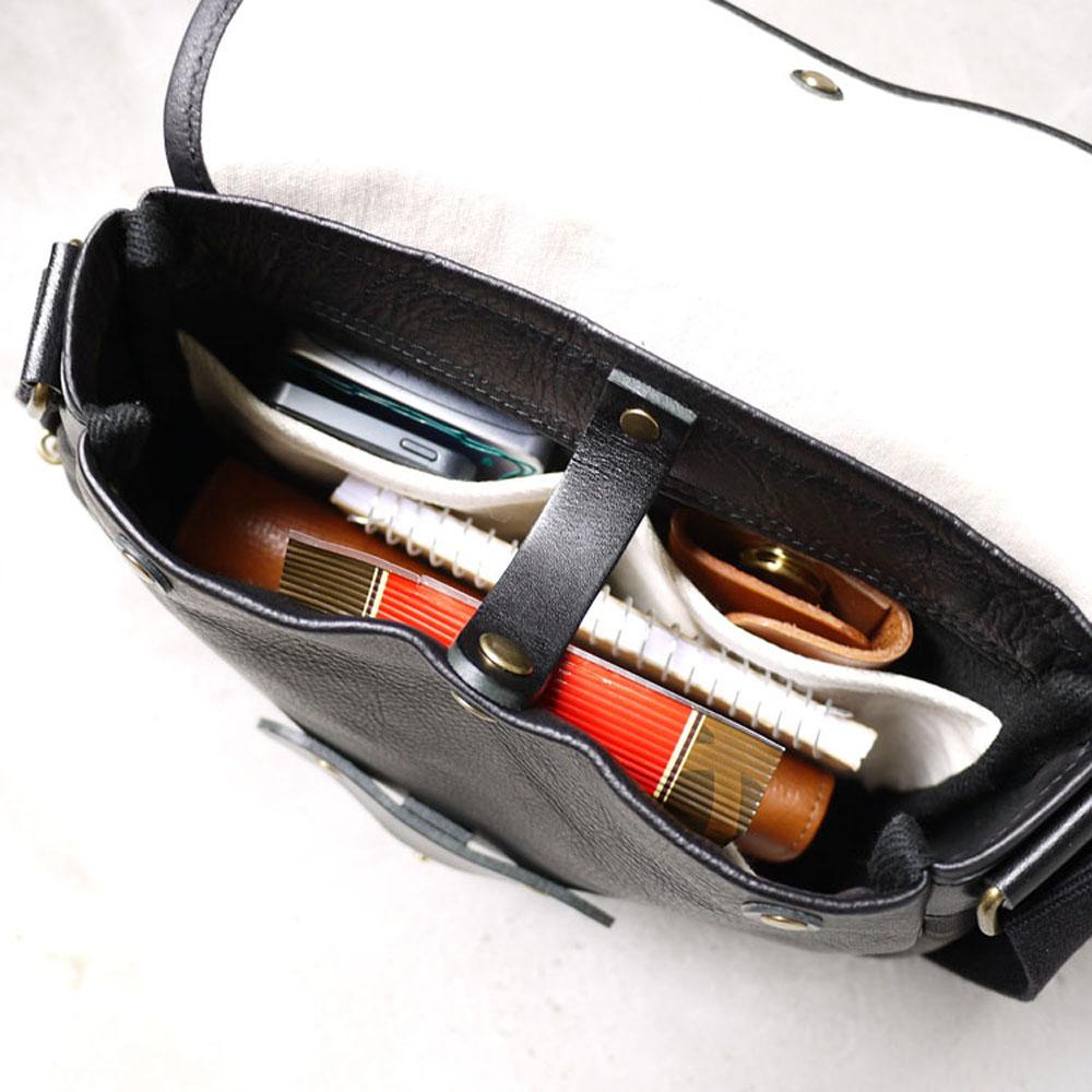 SUOLO 日本復古時尚圓弧設計,植鞣手工牛皮側背包